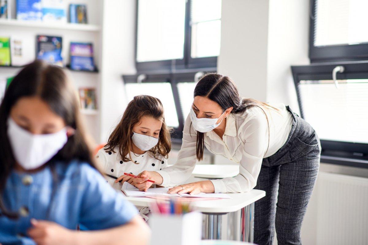 Koronawirus a szkoła - jak poradzić sobie z nowym systemem nauczania?